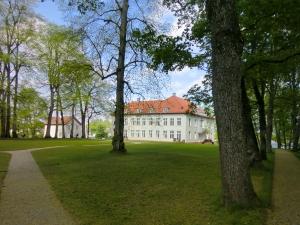 Eidsvoll hvor 112 mænd skrev Norges første Grundlov. En herregår der aldrig glemmes.