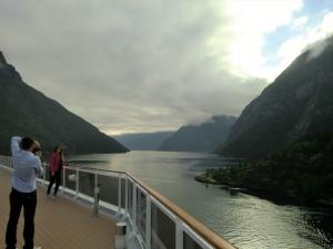 En morgenstund i en norsk fjord